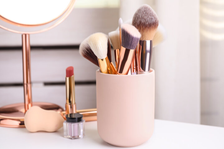 Spring Cleaning: How to Properly Care for Your Makeup Brushes for the Healthiest Skin