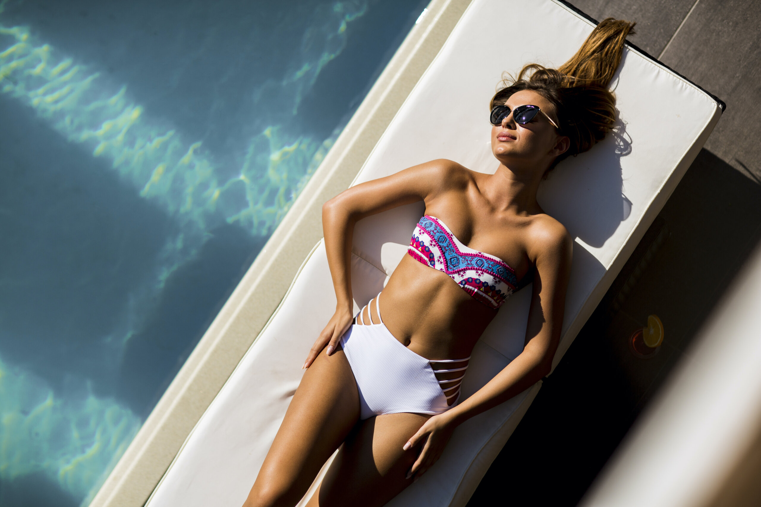 Reveal Your Best Bikini Line with This Service